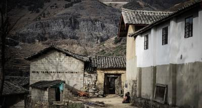निर्धनता का सामाजिक प्रभाव, जातीय संघर्ष के कारण
