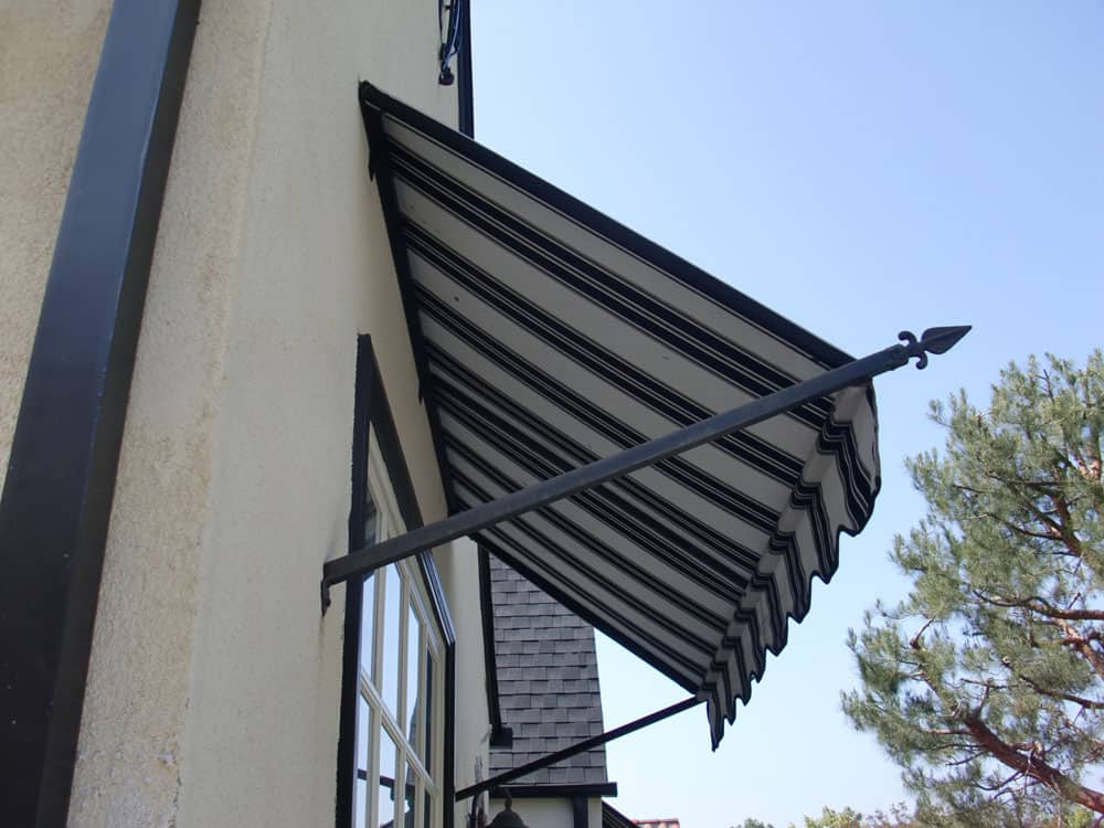 Sark Custom Awnings - Spear Style Awning (1)