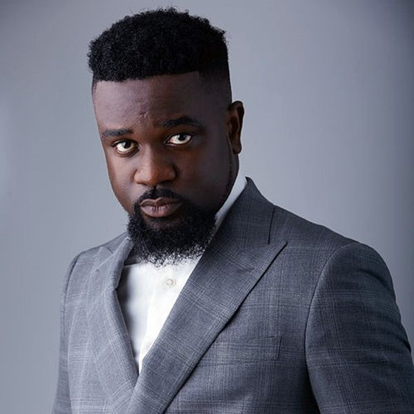 Sarkodie Hasn't Landed In Ghana   Neither Has Gov't Arranged Private Jet For Him - Management Debunks Rumour