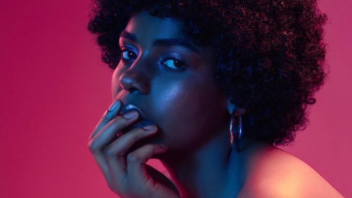 woman neon2
