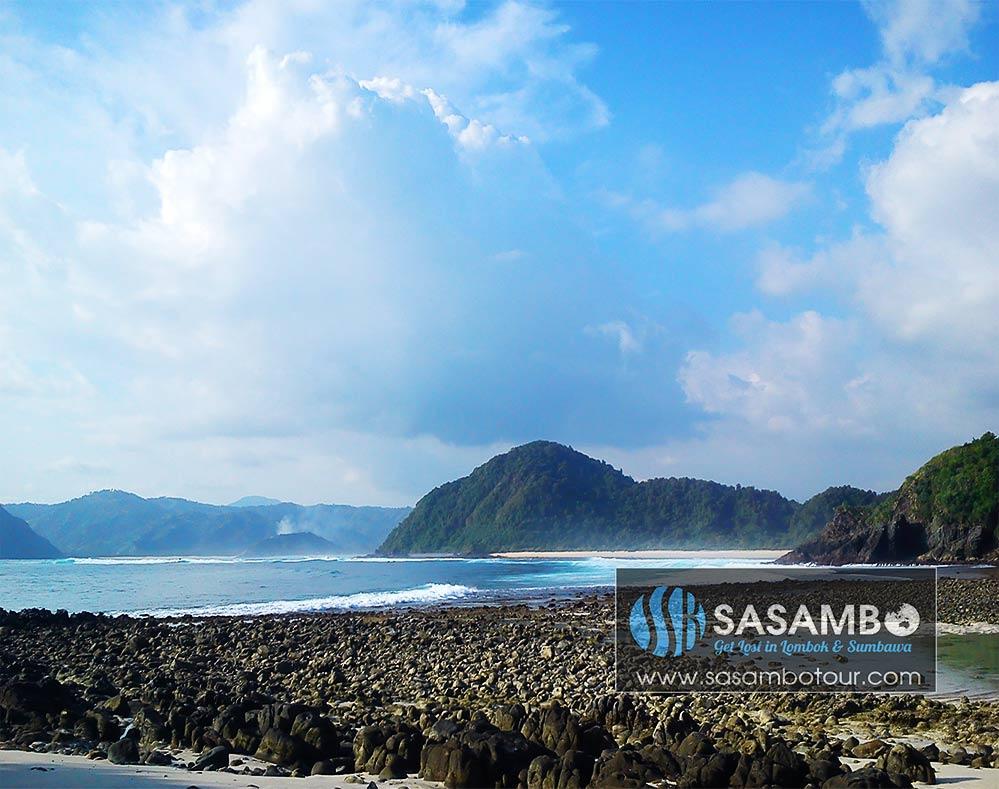 Keindahan karang di pantai semeti Lombok Tengah