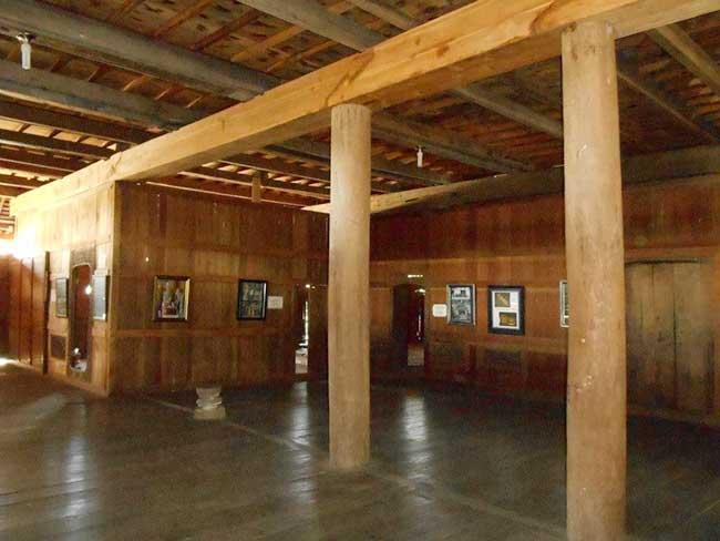 Interior istana dalam loka