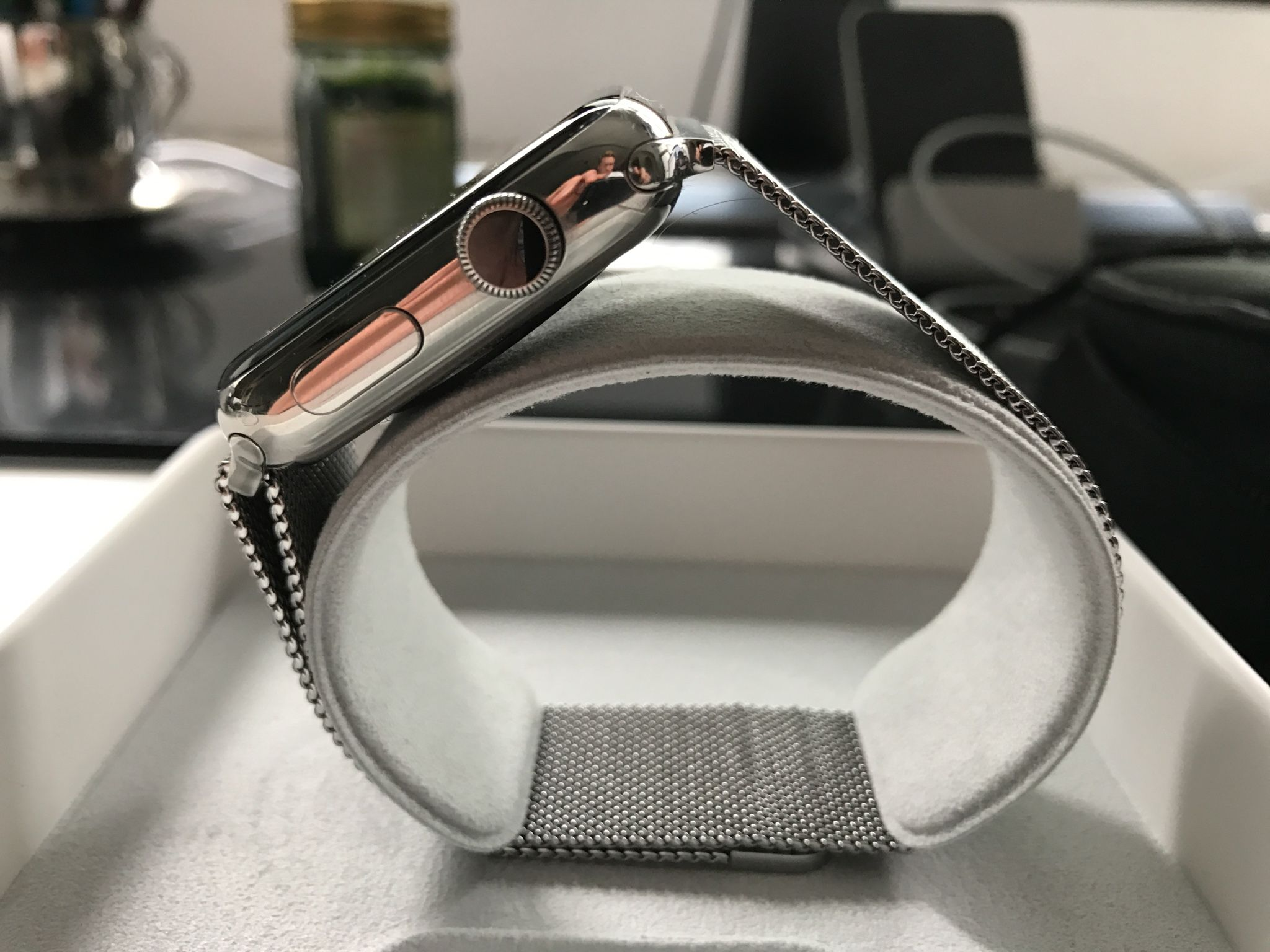 The weak point of the Apple Watch Milanaise is the bracelet: it scratched and discolored slightly. Photo: Sascha Tegtmeyer