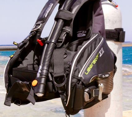 The Tusa Liberator is an excellent buoyancy compensator for beginners. Photo: Sascha Tegtmeyer