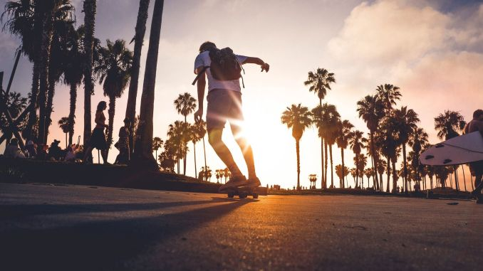 Learning to Longboard: How to surf the streets! Photo: Pixabay