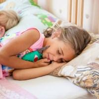 Как уложить спать детей