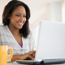 woman-on-computer-2