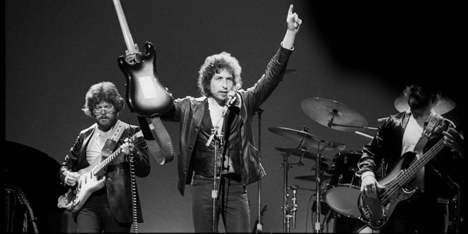 2019-06-25: Muzyczna Scena OFF: LACH śpiewa Dylana