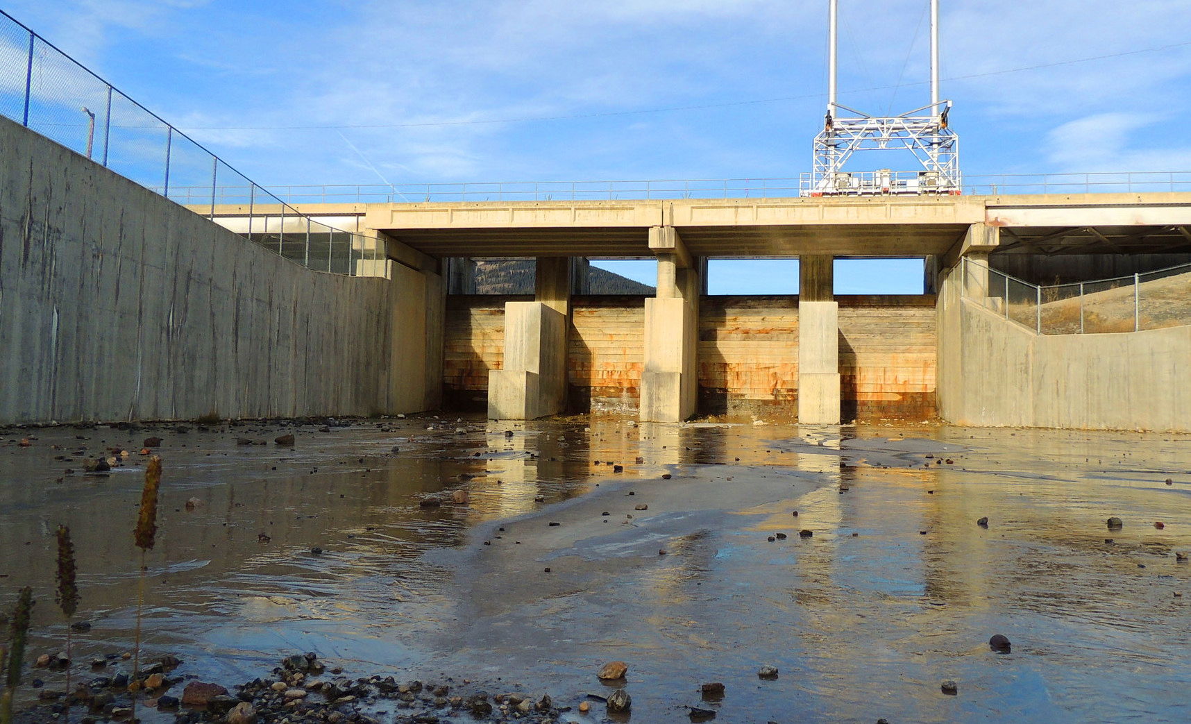 Routine dam shutoff ahead of long weekend, expect enough water for beach-combing!