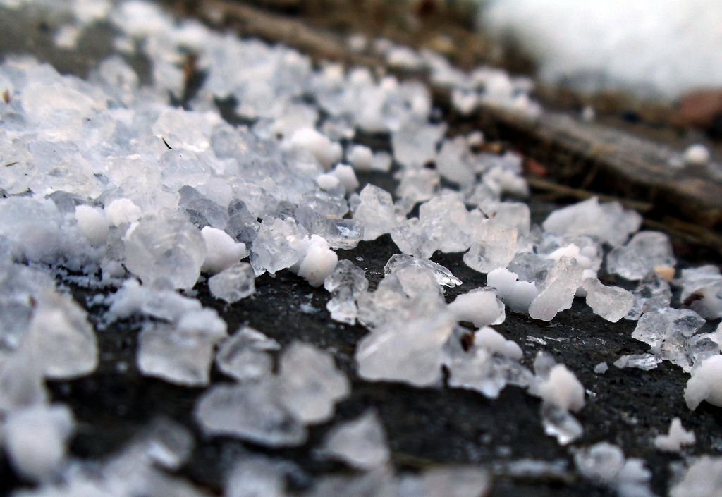 Snow-free Christmas may disappoint, less salt brine on roads and in river
