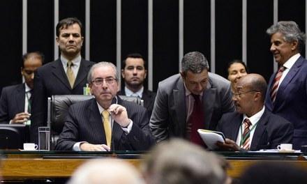 Parlamentarismo no Brasil é instrumento de golpe, dizem cientistas políticos