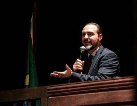Professor da PUC-RS . José Carlos Moreira da Silva Filho