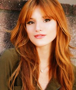 Bella-Thorne makeup bag celebrity beauty tips