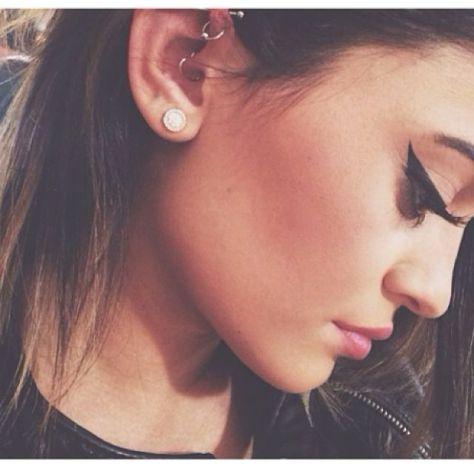 Kylie Jenner beautiful round diamond earrings pave