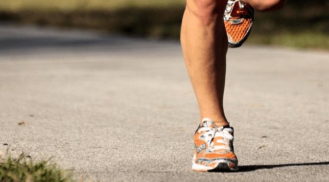 plantar-fasciitis-women-feet-running
