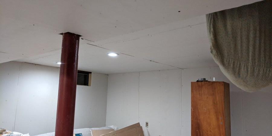 Ceiling drywall done main room