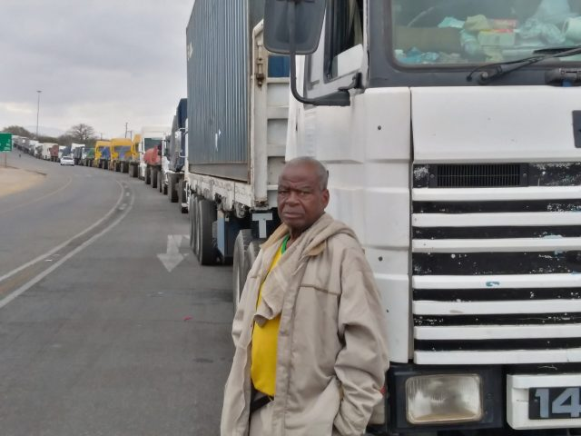 South Africa and Zimbabwe, where truck drivers claim that bribes of up to R1 000 are being extorted from those who want to cross the border.