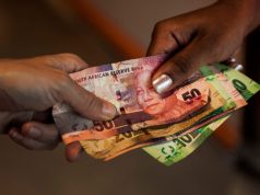 Women earn less than men in SA biggest cities – with one exception