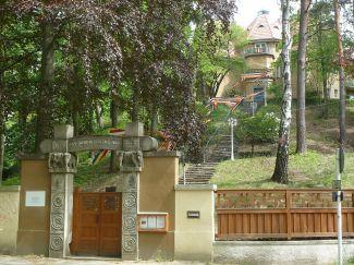 https://en.wikipedia.org/wiki/Das_Buddhistische_Haus#/media/File:Das.Buddhistische.Haus3.JPG