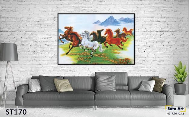 Tranh ngựa phi trên đồi cỏ
