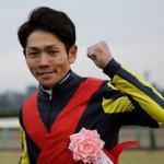 戸崎が日本人トップジョッキーの1人とか言ってる奴がいるんだが