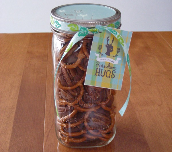 Chocolate Caramel Pretzels in a Mason Jar - Holiday Handmade Gift Idea