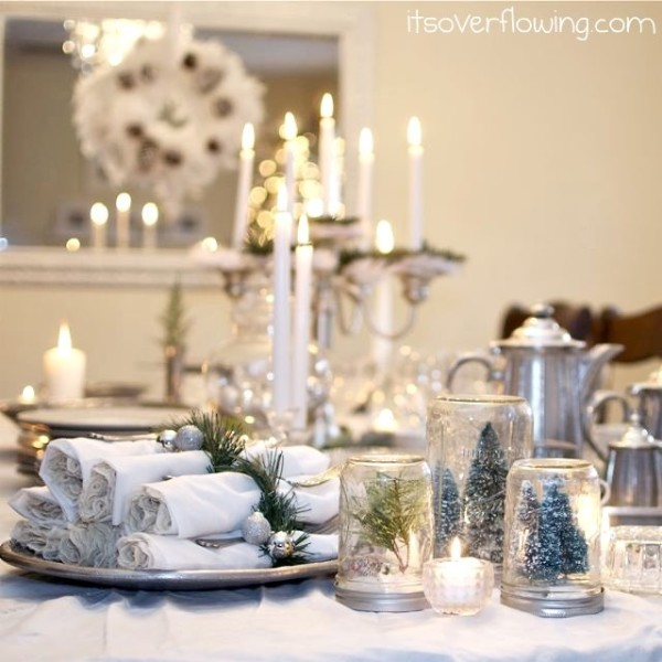 Christmas Tablescape | It's Overflowing