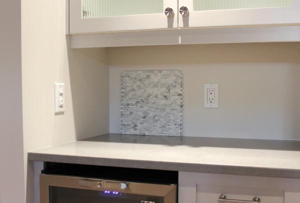 Tumbled Marble Mosaic Tile Backsplash for Basement Snack Bar