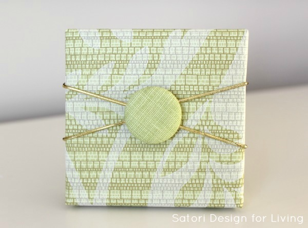 Projects to do with buttons - easy gift embellishment