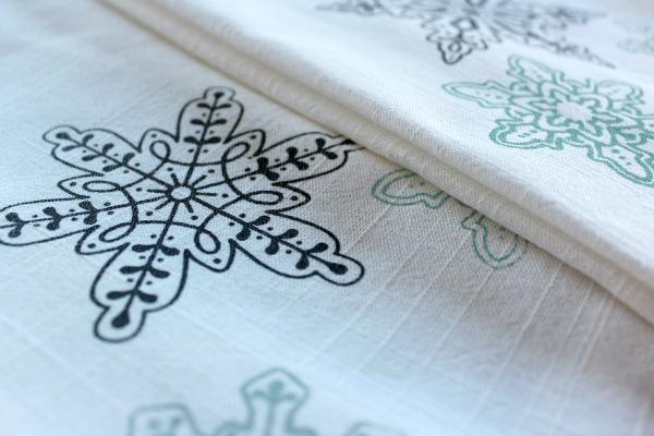 DIY Printed Tea Towels - Snowflake Tea Towels - Fabric Paint Project Idea