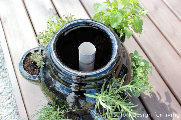 How to Plant a Strawberry Pot Herb Garden - Tips for Keeping a Strawberry Pot Moist