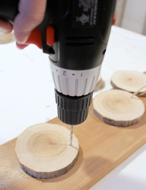 Decorating with Natural Materials | Log Slice Chalkboard Ornaments | Satori Design for Living