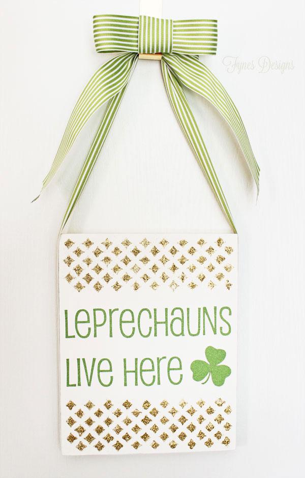 St. Patricks Day Door Decoration - Fynes Designs
