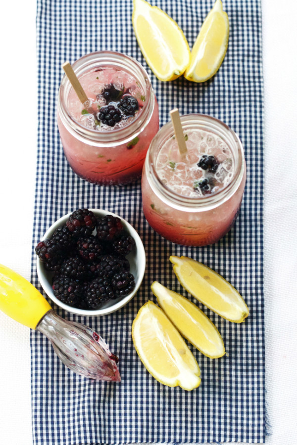 Jar Recipes to Take Along on Your Next Picnic - Blackberry Thyme Lemonade in Jars by Oven Love