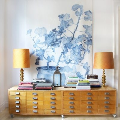 Is oversized art taking the place of smaller groupings or gallery walls? Check out this wall decor look that seems to be gaining popularity. [Emma Oversized Wall hanging from Splendid Avenue]