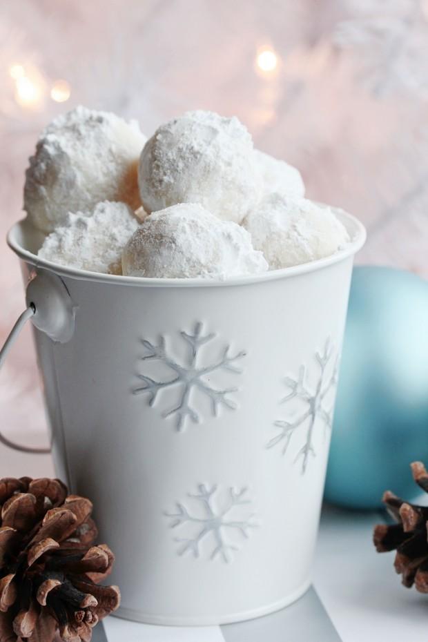 Snowball Cookies in Snowflake Bucket