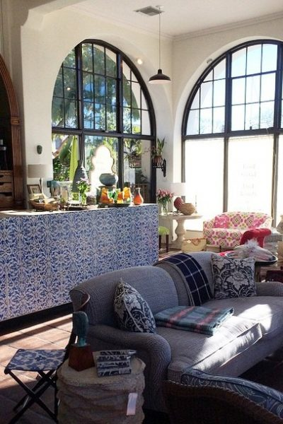 I'm in love with California style after a recent trip to the west coast. These beautifully decorated spaces have inspired me to make some changes at home!
