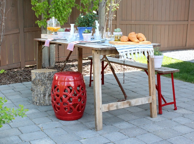 Flea Market Style Outdoor Table Setting - Vintage Boho Outdoor Decorating Ideas