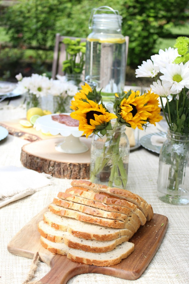 Outdoor Table Setting Ideas - Outdoor Patio Refresh by My Life from Home