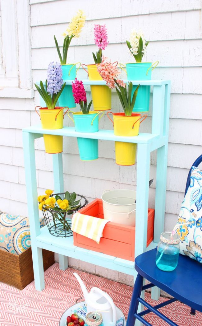 Outdoor Projects that Inspire - DIY Flower Planter with Shelf by Fynes Designs