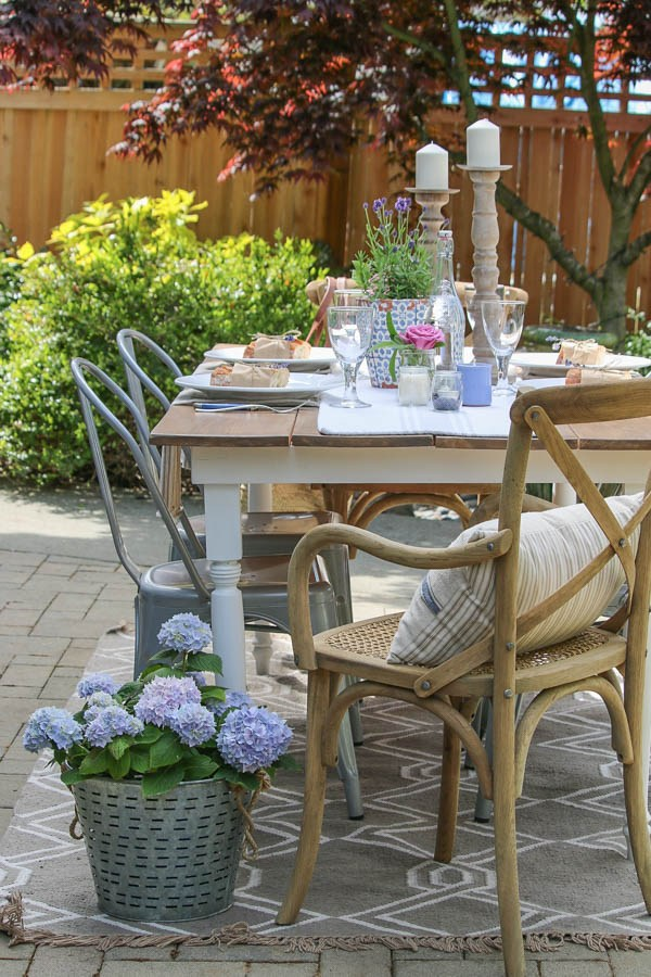 Beautiful Outdoor Living Spaces - French Farmhouse Outdoor Table Setting by Saw Nail and Paint