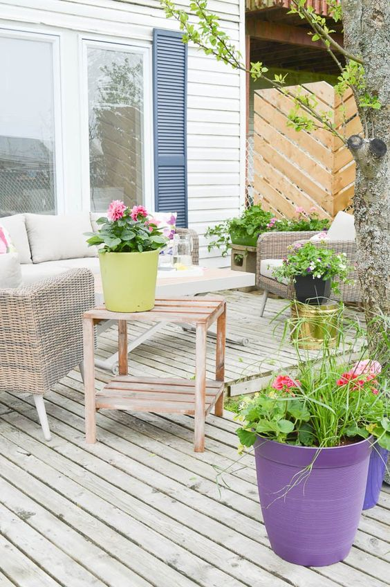 Beautiful Outdoor Living Spaces - Pretty Patio Decorating Ideas by DIY Passion