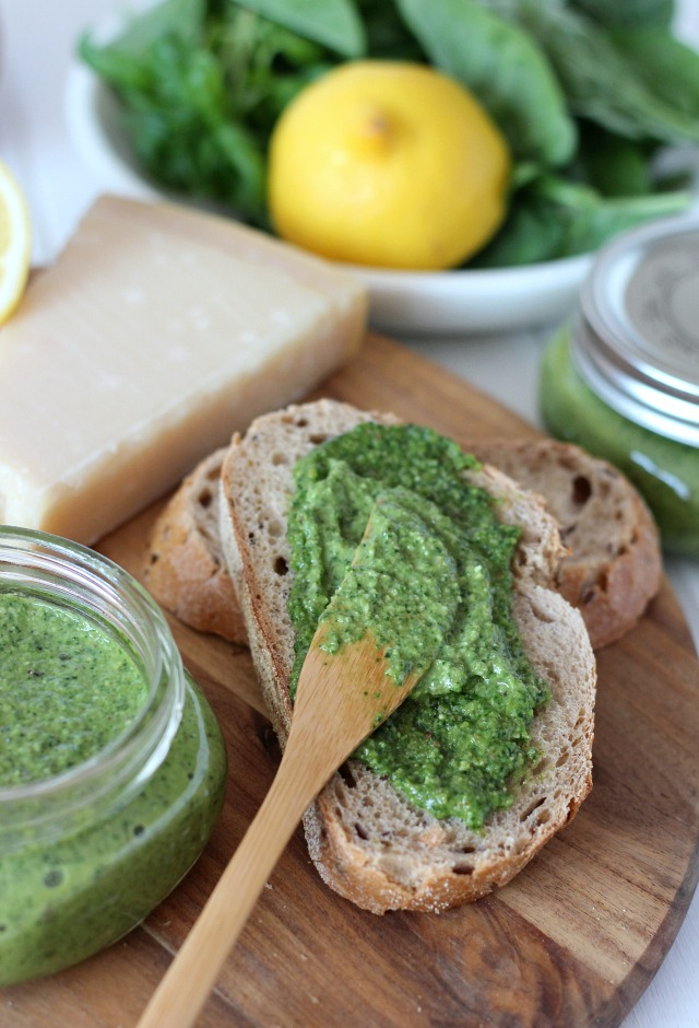 Jar Recipes to Take Along on Your Next Picnic - Make this spinach basil pesto to spread on bread or as a veggie dip. Fresh and delicious!