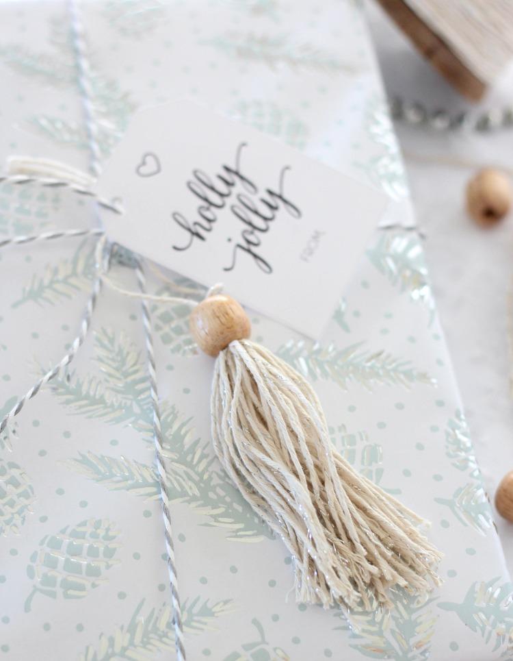 DIY Shabby Chic Tassel Gift Topper - Christmas Gift Decorations