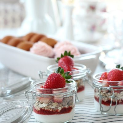 Strawberry yogurt parfaits are an easy and delicious way to start Valentine's Day. Whip up some jars for breakfast, school lunches or as a wholesome snack!