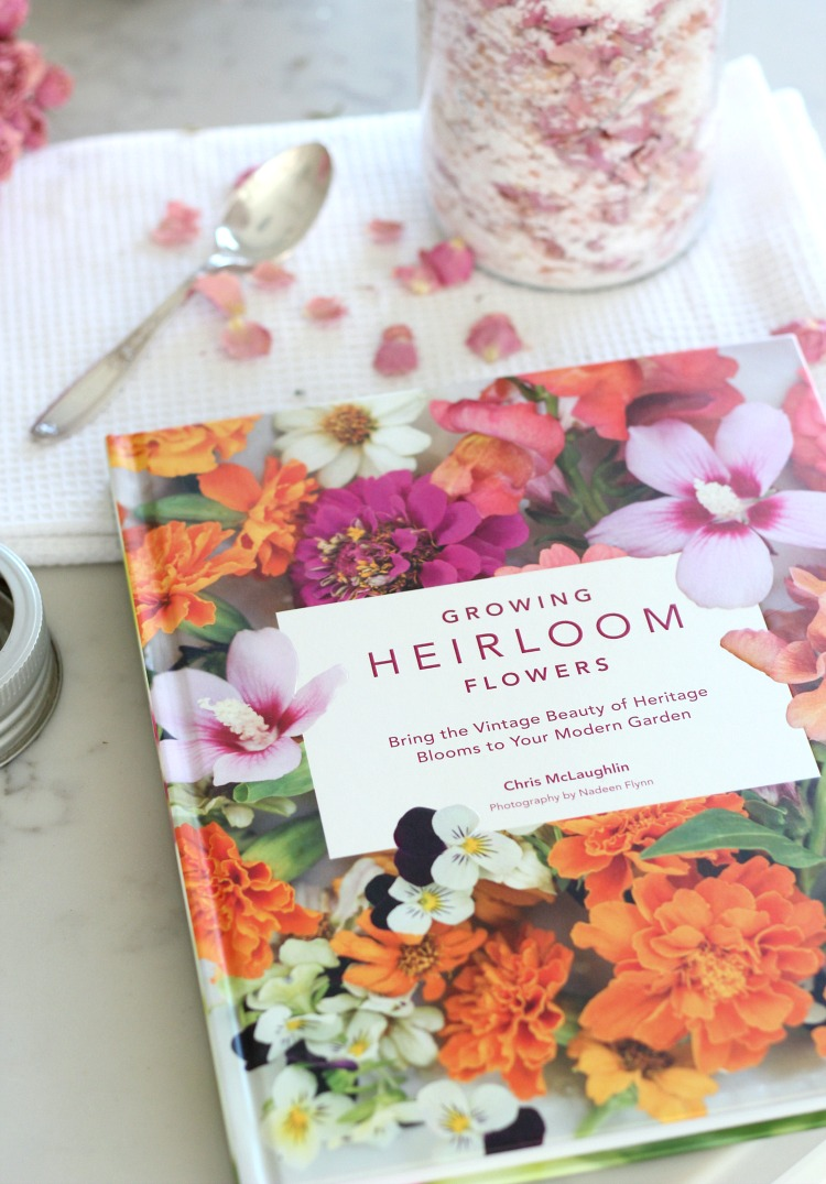 Growing Heirloom Flowers Book - Bring the Vintage Beauty of Heritage Blooms to Your Modern Garden