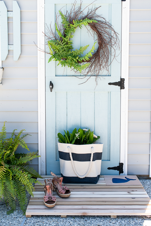 DIY Coastal Cedar Doormat - Finding Silver Pennies
