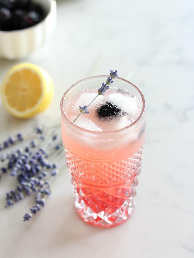 Lavender Blackberry Sparkling Lemonade with Dried Lavender