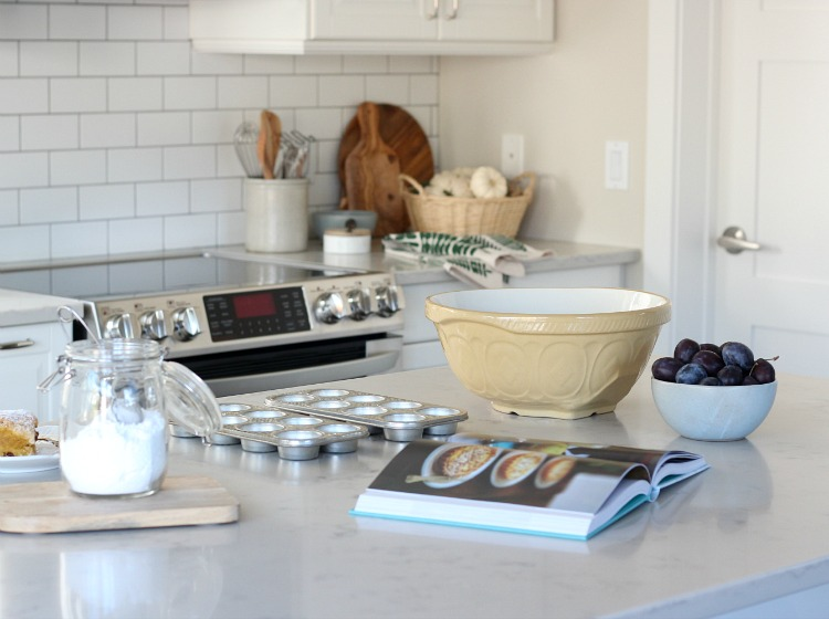 Simple Fall Touches in the Kitchen and Dining Room - Adding Fall Decor to a White Kitchen - Satori Design for Living