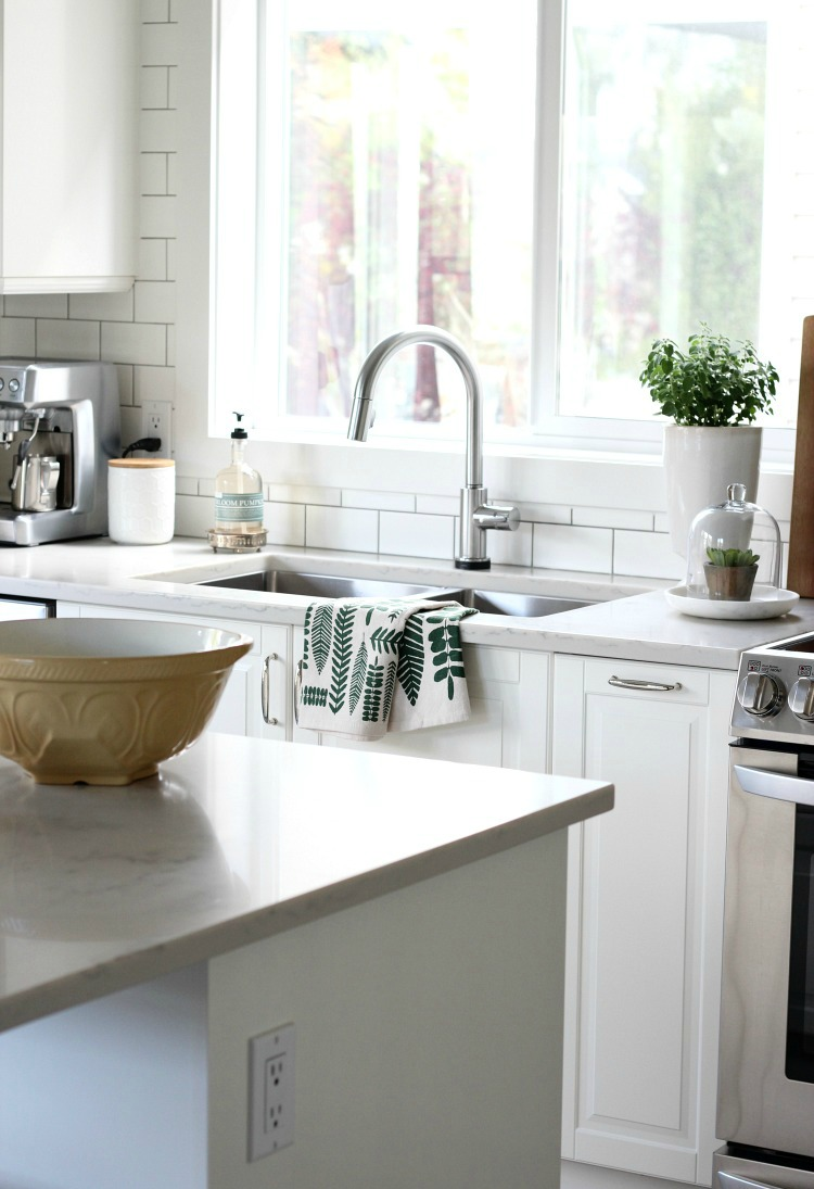 Kitchen Fall Decorating Ideas - Green, White and Wood Fall Kitchen Decor - Satori Design for Living